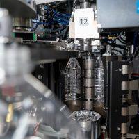 Großbehältermaschine für bis zu 8 Liter, 2 Blasstationen, Blasmaschinen-Füller-Block